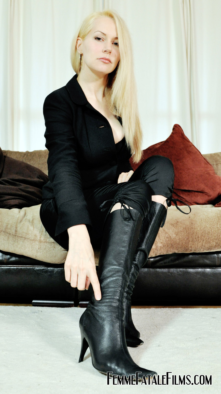 Suggest you lady sonia and lick my boot