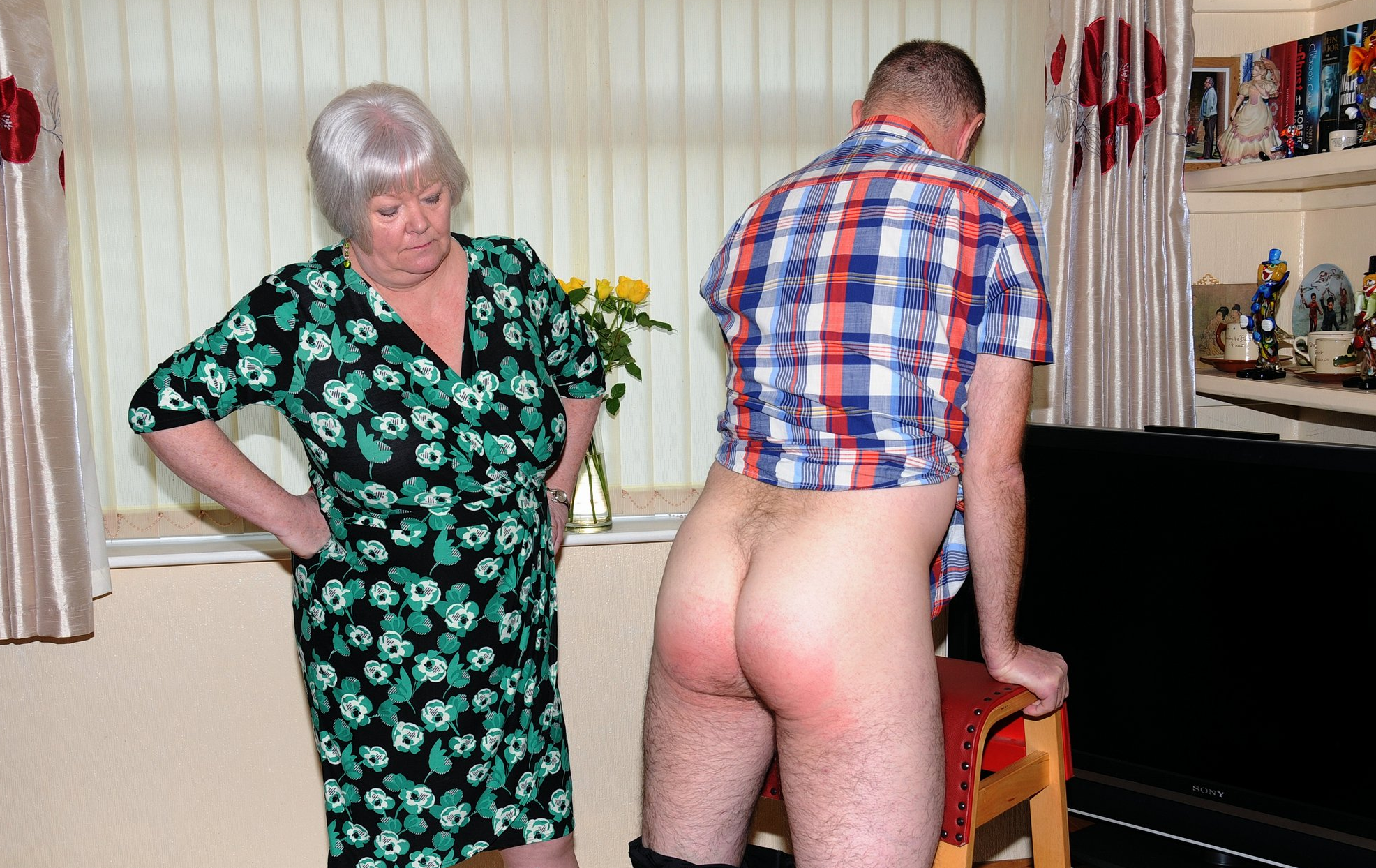 Spanked by auntie Katie