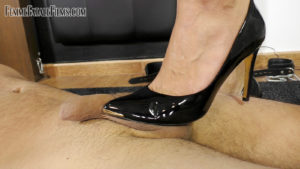 Trample Carpet Slave with The Hunteress